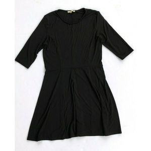 Lark & Ro Black Fit and Flare SS Dress